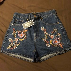 juicy couture vintage floral embroidered shorts